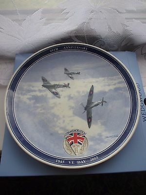 """Wedgwood ,Daily Mail VE Day 9"""" Spitfire Commemorative Plate 1945-2005"""