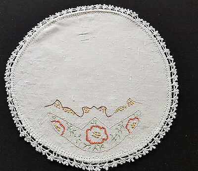VINTAGE DOILEY, 1950s, HAND EMBROIDERED, FRENCH PROVINCIAL, RETRO, SHABBY CHIC