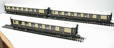 Hornby R4196 The Golden Arrow Coach Pack Brand New, Unused Mint !