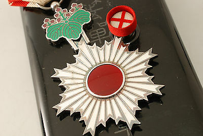 WW2 JAPANESE 6th CLASS  ORDER THE RISING SUN MEDAL badge army navy WAR