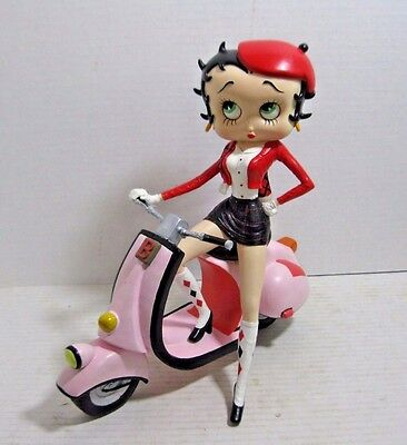 Betty Boop with Her Pink Scooter 2002 Figurine Statue Rare