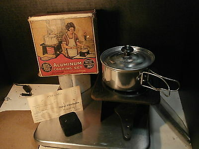 VINTAGE c1930-40's STERNO FOLDING STOVE SET No.60 W/PAN & CAN SNUFF ORIGINAL BOX