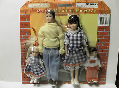 """Miniature Doll House 1:12"""" Scale Poseable  Doll Family Of 4"""
