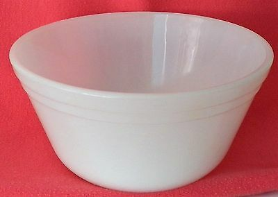 Fine Vintage Mid Century U.s.a. Federal Glass Mixing Bowl Dura White Heat Proof