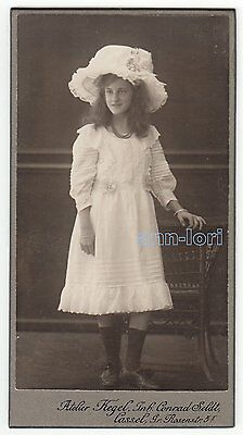 PRETTY YOUNG GIRL white fashion dress and fancy hat c1910 CDV Photo Germany