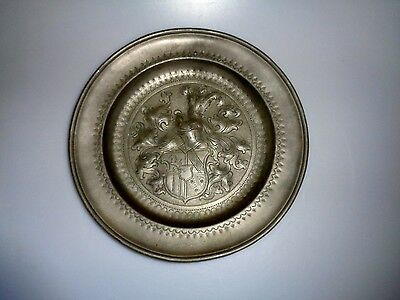 Antique Pewter Wall Plate Coat Of Arms Plumes Marked European German British ?