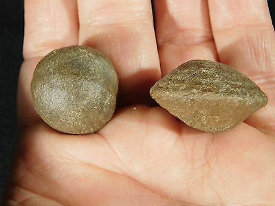 A Small Pair of Moqui Marbles or Shaman Stones from Southern Utah 32.8gr