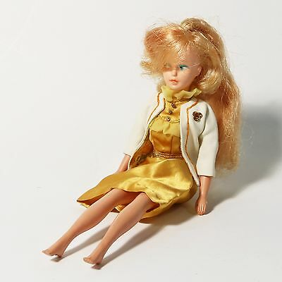 Vintage American Character Toy Corp 1963 Tressy Doll/Barbie- So Blonde Grow Hair