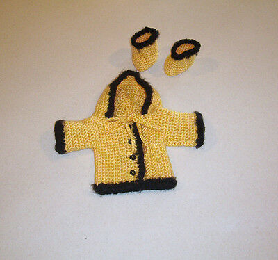 Crochet Yellow and Black Hooded Sweater & Booties Set Cabbage Patch