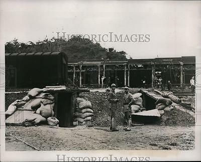 1937 Press Photo Chinese troops survive Japanese bombing of Nanking - nera03254
