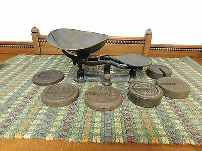 Vintage Cast Iron Balance Scale With Wieghts