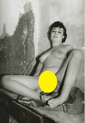 Photo Vintage ,  Pin-Up assise ,  Charme , Années 70