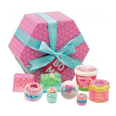 Bomb Cosmetics Gift Pack - The Bomb Hat Box
