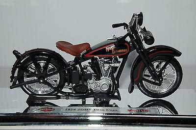HARLEY DAVIDSON  1928 JDH TWIN CAM 1/18th  MAISTO  MODEL  MOTORCYCLE