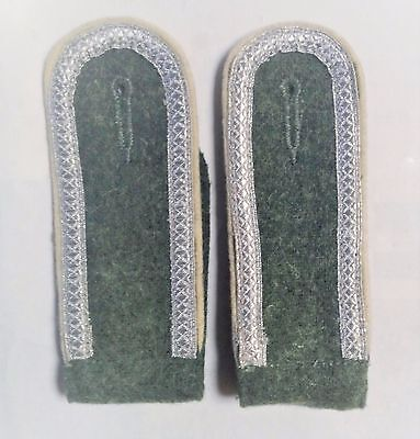 German Army Infantry Shoulder Boards NCO pair open tress