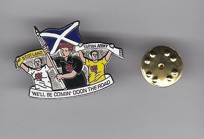 """Scotland """"We'll Be Comin' Doon The Road"""" - lapel badge butterfly fitting"""