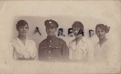 WW1 Soldier Cambs Cambridgeshire Regiment with Sisters ?