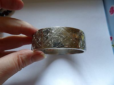 Vintage sterling silver wiide floral engraved clamper bangle Chester 1956 WL174
