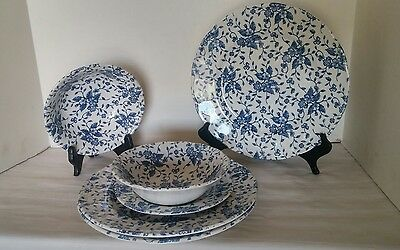 GRINDLEY Royal Tudor Bouquet China Blue Made in England LOT of 6 Plates Bowls