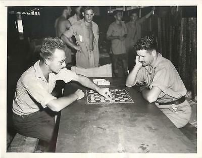 WWII RAAF Airmen Berry & Boydell Play Game of Draughts in Australia Press Photo