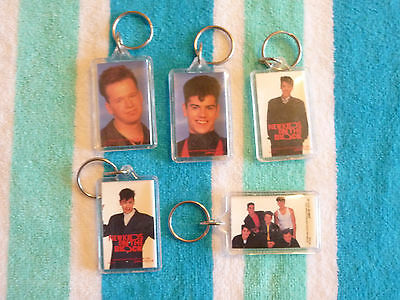Lot of 5 VINTAGE NEW KIDS ON THE BLOCK KEY CHAINS by BUTTON-UP 1990 BIG STEP