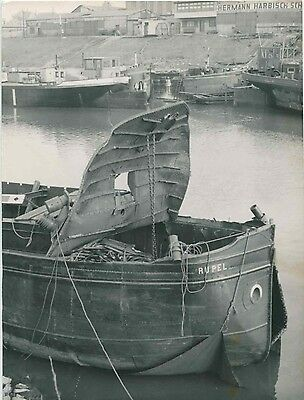 Uu440 Rp 1953 Dutch Ship ' Rupel ' Exploded In Duisburg Germany