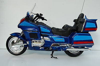 Honda Goldwing Gl1500 Huge 1/6Th Diecast Model Motorcycle Blue