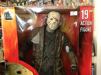 JASON VORHEES 19 INCH FREDDY vs JASON FIGURE. MINT IN BOX.