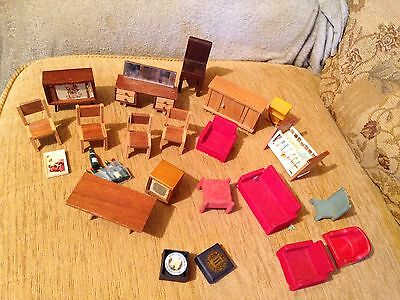 Job Lot Old Dollshouse Furniture  20+BITS