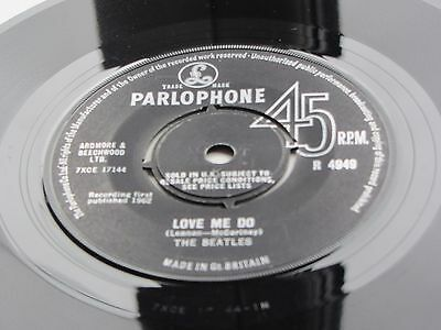 The Beatles Orig 1963 Uk 45   Love Me Do Black    Label Pressing S-I-U-K Text