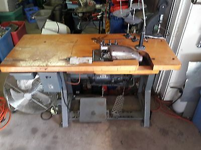 Vintage sewing machine commercial Union special 39500 AB