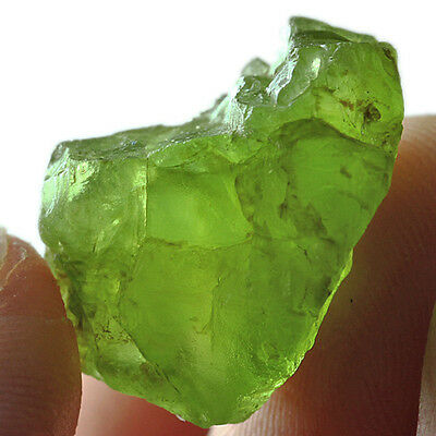24.4CT 100% Natural Peridot Facet Rough Specimen YGLb2624R
