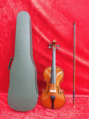 Beautiful Violin __Violin___ with Stick and Suitcase __ GOOD CONDITION