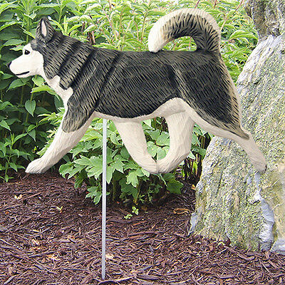 Alaskan Malamute Outdoor Garden Sign Hand Painted Figure Gray/White