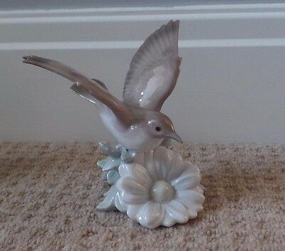 "LLADRO - 1244 - FLUTTERING NIGHTINGALE - EXCELLENT - 4.75"" Tall"