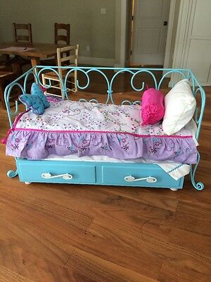 AMERICAN GIRL DOLL Curlique Trundle Day Bed, Mattresses, Bedding