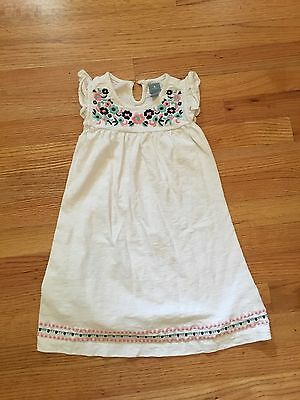 EUC Baby Gap White Floral Embroidered Cotton dress (size 5)