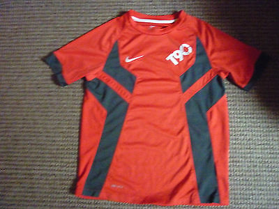 Youths Nike Dri Fit Sports Top age 10-12yrs