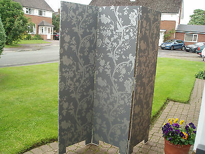 Strong Solid 3 panel hinged room Divider/Screen - Wallpaper covered
