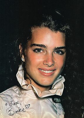 """BROOKE SHIELDS - 11"""" x 8"""" - TEEN MAGAZINE POSTER PINUP - GIRL ACTOR - at age 17"""