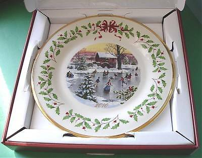 Lenox Annual Holiday Collector Plate 2010 Holiday Skater Limited Edit New In Box