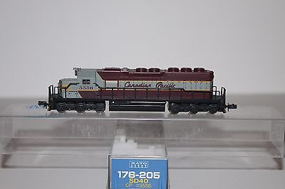N Scale Kato 176-205 Canadian Pacific SD40 Powered Diesel Locomotive 5556