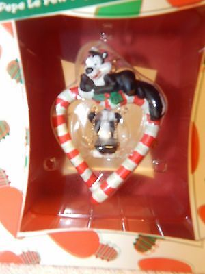 Warner Bros Store Pepe Le Pew Peppermint Swing Heart Ornament