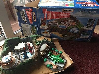 Vintage Thinderbirds Tracy Island 1992 Die Cast Vehicles & Rare Thunderbird 5