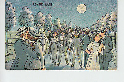Novelty postcard showing Couples in Lovers Lane by Moonlight