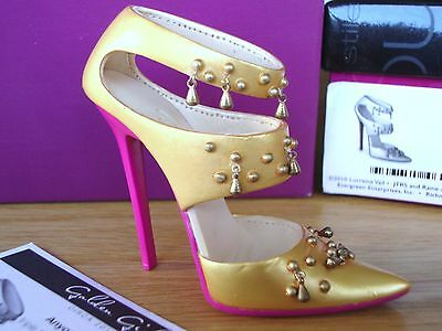 Just The Right Shoe - Golden Girl