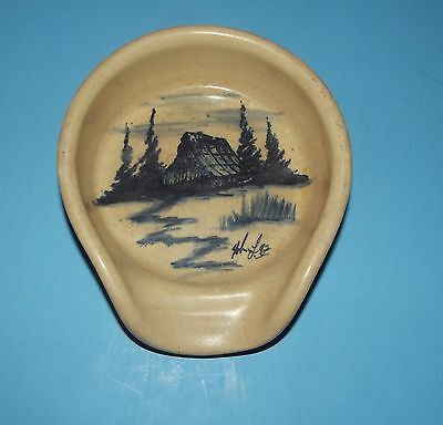 """Pottery Spoon Rest Marshall Texas Bowl Beige w Blue Cabin or Barn & Trees 6"""""""