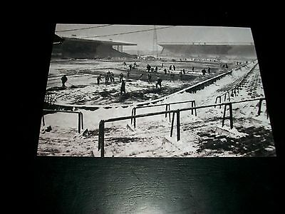 "LEEDS UNITED Snow clearance  ELLAND ROAD 1960s ??   Photo   6""x4""  REPRINT"