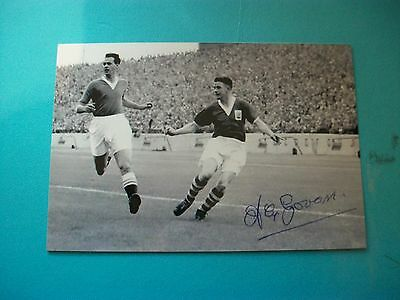 "BIRMINGHAM CITY player Alex Govan at Chelsea 1950s  6""x4"" REPRINT POST FREE"