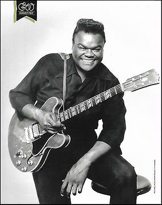 Freddie King with his Gibson ES-345 electric guitar 8 x 11 b/w pin-up photo
